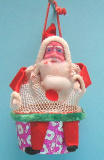 26: Santa with plaster face and mesh body in a box, about 10cm high, Japanese.