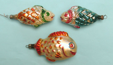 Fish with large scales; standard cap, between 9 and 7cm long.