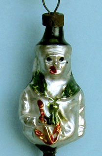 Sailor holding an anker, small ca 3,5cm high